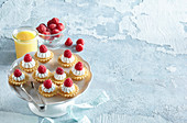 Tartlets with egg cream and whipped cream