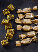 Toffee candies with pistacchios