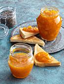 Ananasmarmelade mit Kardamom