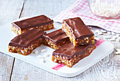 Puffed rice slices with caramel and chocolate ganache