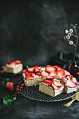 Vanilla cake with mascarpone frosting