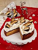 Baumkuchen tarts with cinnamon crunch cream