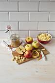 Geschälte und gewürfelte Äpfel