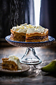 Crumbly pear cake