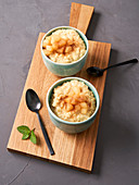 Barley rice pudding with boiled quince and cinnamon sugar (vegan)