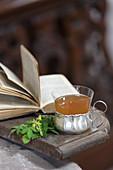 Odermennig-Tee (bei Haut- und Schleimhautentzündung)