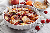 Baked fruit with crumble