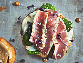 Tuna sandwich with daikon radishes and spinach