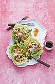 Mango-Kokos-Salat mit Hackfleisch und Avocado