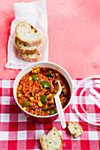 Vegan Quinoa Chilli 'To Go'
