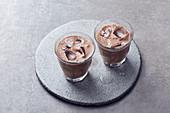 Veganer Espresso-Schoko-Smoothie mit Kokosmilch