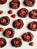Chocolate and strawberry muffins (sugar-free)