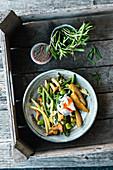 Salat aus dreierlei Bohnen mit Pilzen und Ei