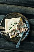 Creamy chanterelle mushrooms with fine crêpes