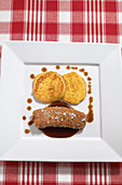Veal liver with potato and corn cookies