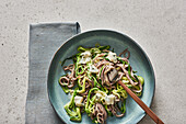 Wholemeal spaghetti with courgette and gorgonzola