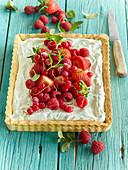Lemon mascarpone tart with berries