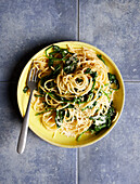 One-pot pasta with spinach (sugar-free)