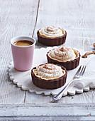 Tartlets with amaretto cream