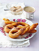 Yeast fried ropes with cinnamon
