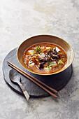 Vegane Kimchi-Suppe mit Seidentofu