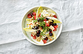 Chicory salad with grapefruits, grapes and mint