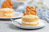 Sweet bee sting honey tartlets (sugar-free, flour-free)