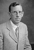 Clinton Joseph Davisson, US physicist