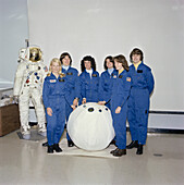 Sally Ride and female NASA astronaut candidates