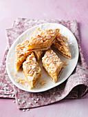 Nordic macaroon slices