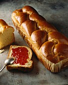 Brioche from Vendée with jam