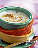 Joghurt mit Honig und Walnüssen