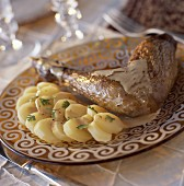 Guinea fowl leg with foie gras sauce