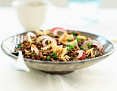 Spiced lentils with red onion and tuna