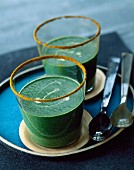 Spinach, lamb's lettuce and curry velouté