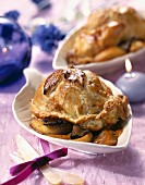 Quails and apples in pastry crust