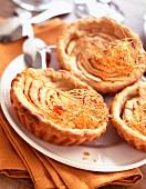 Apple and caramel thread tarts