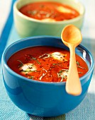 Creamed tomato soup with green pepper and Mozzarella (topic : south tomatoes)