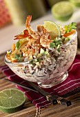 wholegrain rice and prawns with sesame seeds