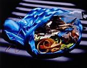 Mülltüte mit Lebensmittelresten