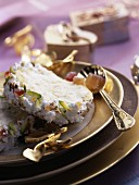 Meringue log with candied fruit