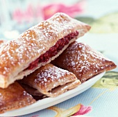Raspberries in crunchy pastry with chocolate