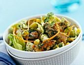 Crunchy chicken salad with green sauce