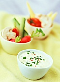 Grapefruit dip with raw vegetables