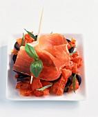 Serrano-Schinken und getrocknete Tomaten