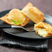 Tourton fritters with Tomme cheese