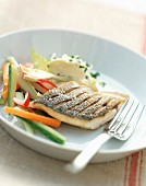 Grilled pike-perch fillet with vegetables