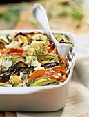 Tian de légumes (Mediterranes Gemüsegratin, Südfrankreich) mit Ricotta