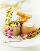Verschiedene Variationen von weichgekochtem Ei