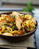 Tagliatelles with chicken and grilled vegetables